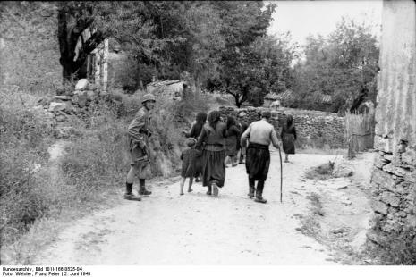 Στο Κοντομαρί Χανίων διαπράχτηκε η πρώτη μαζική εκτέλεση αμάχων στην κατεχόμενη Ευρώπη. Bundes1f