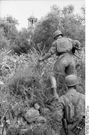 Στο Κοντομαρί Χανίων διαπράχτηκε η πρώτη μαζική εκτέλεση αμάχων στην κατεχόμενη Ευρώπη. Bundes2sde