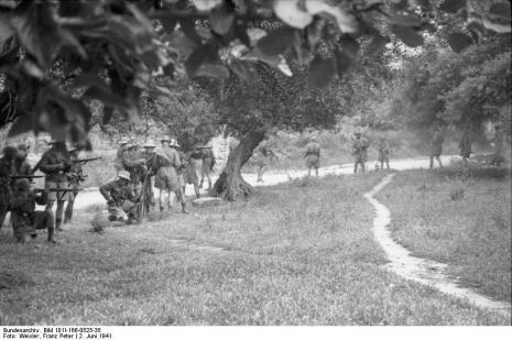 Στο Κοντομαρί Χανίων διαπράχτηκε η πρώτη μαζική εκτέλεση αμάχων στην κατεχόμενη Ευρώπη. Bundes2yyyj